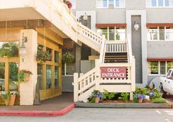 リージェンシー フェアバンクス ホテル - フェアバンクス - 屋外の景色