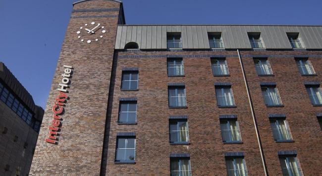 インターシティホテル ハンブルク アルトナ - ハンブルク - 建物