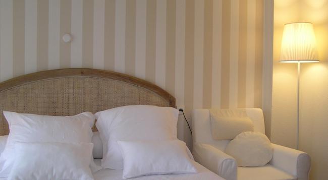 セントラル ホテル - Gijon - 寝室