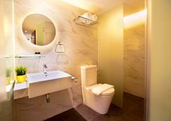 ホテル ヌーヴ - シンガポール - 浴室