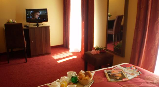 ホテル キャピトル - ボーソレイユ - 寝室