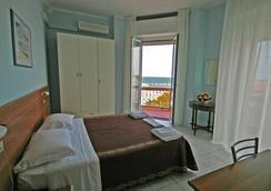 Hotel Acapulco - リミニ - 寝室