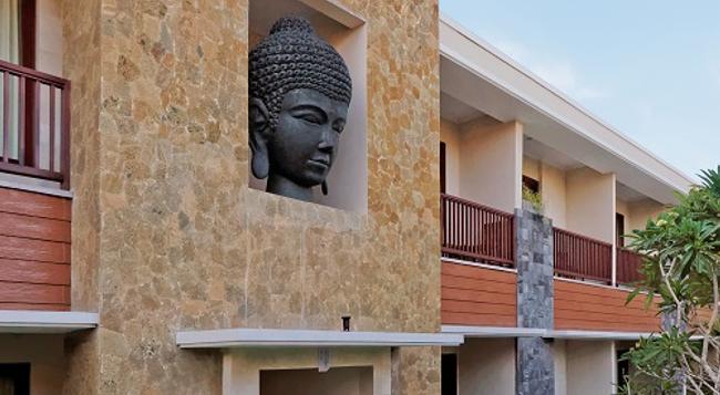 U チューブ ホテル&スパ バイ シャイレンドラ - ジンバラン - 屋外の景色