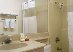 ラマダ ウィルシャー - ロサンゼルス - 浴室