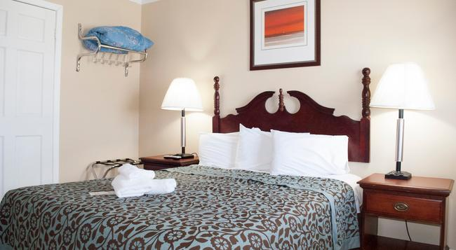 Boardwalk Hotel Charlee & Beach House Rentals - Seaside Heights - 寝室