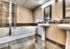 Podollan Rez-idence Grande Prairie - Grande Prairie - 浴室