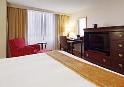 Tower Hotel Oklahoma City - オクラホマシティ - 寝室