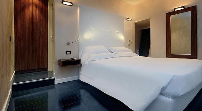 ピアッツァ デル ジェス ラグジュアリー スイーツ - ローマ - 寝室