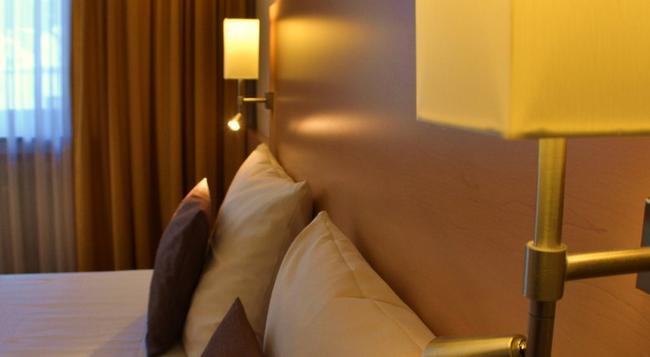 シティ ホテル オスト アム ケー - アウグスブルク - 寝室