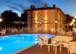 ホテル ピッコロ ボルゴ - ローマ - プール