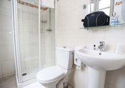 ル モンクレール モンマルトル ホステル & バジェット ホテル - パリ - 浴室