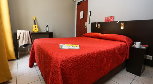 Le Montclair Hostel - パリ - 寝室