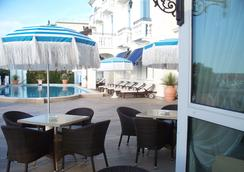 Hotel Casa Bianca al Mare - イェーゾロ - レストラン