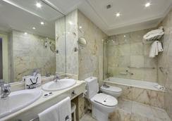 ホテル デ ロンドレス イ デ イングラテラ - San Sebastian - 浴室