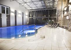 ホテル マカル スポーツ & ウェルネス - Pecs - プール