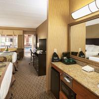 The Inn on Lake Superior Guestroom