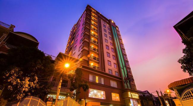 サムナン ラオール プノンペン ホテル - Phnom Penh - 建物