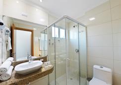 Pousada Riviera Bombinhas - ボンビーニャス - 浴室