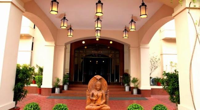 Hotel Paras Mahal - ウダイプール - 建物