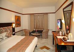 Hotel Paras Mahal - ウダイプール - 寝室