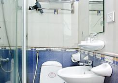 Van Mieu Hotel - ハノイ - 浴室