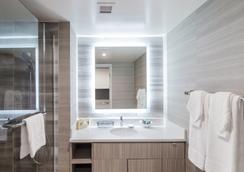 Polynesian Residences Waikiki Beach - ホノルル - 浴室