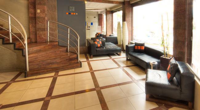ホテル LP コロンバス - ラパス - 建物
