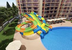 Prestige Hotel And Aquapark - ヴァルナ - プール