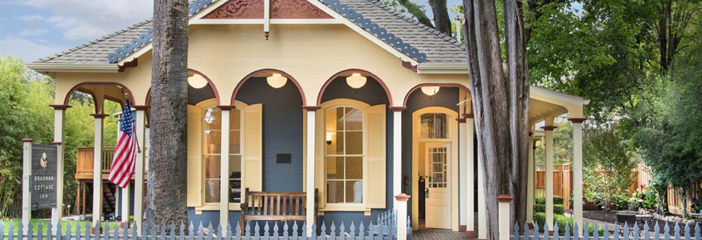 Brannan Cottage Inn - カリストガ - 建物