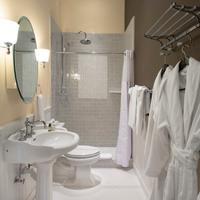 Brannan Cottage Inn Bathroom Shower