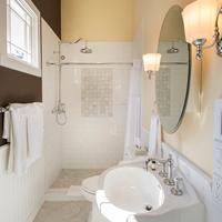 Brannan Cottage Inn Bathroom