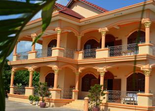 Kampot Manor