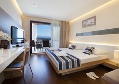 レミセンス ホテル アドミラル - オパティヤ - 寝室