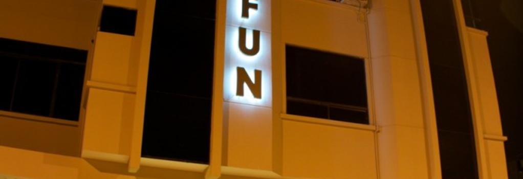 Hotel Lun Fun Manta - Manta - 建物