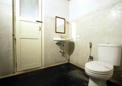 Fabhotel Esparan Pondicherry - Puducherry - 浴室