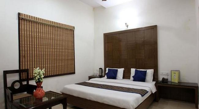 Fabhotel Mohan International Paharganj - ニューデリー - 寝室