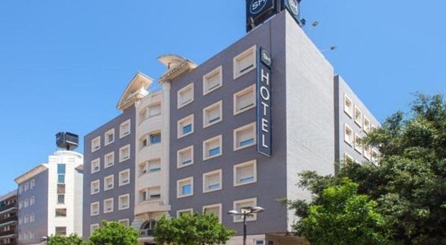 Hotel Malcom and Barret - バレンシア - 建物