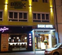 ベーシック ホテル インスブルック