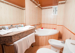Santa Monica Playa - サロウ - 浴室