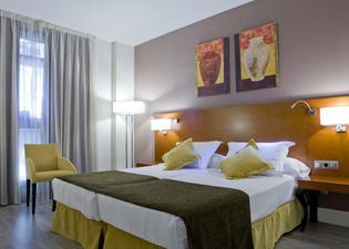 ホテル プエルタ デ トレド