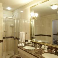 アヴァロン ホテル Bathroom