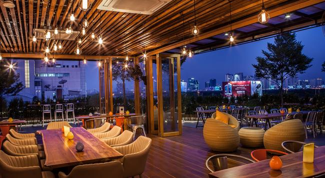 メトロ プラトゥーナム ブティックホテル - バンコク - レストラン