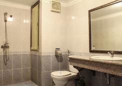 A25 ホテル ギアンボ - ハノイ - 浴室