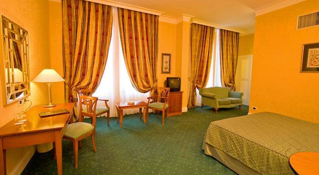 アテネオ ガーデン パレス - ローマ - 寝室