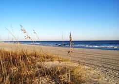 The Oceanfront Viking Motel - マートル・ビーチ - ビーチ