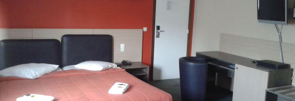 Ares Budget Hotel Brussels - ブリュッセル - 寝室
