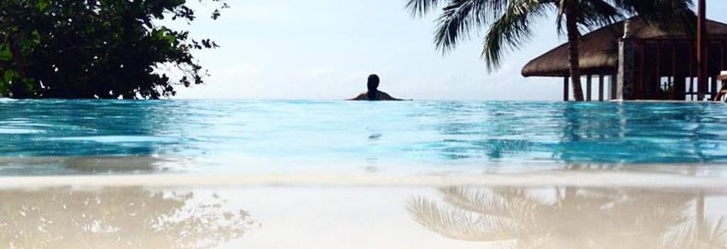 Palm Beach Resort - Laiya - プール