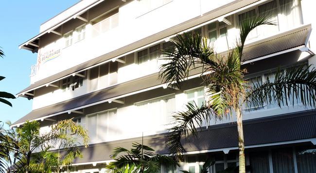 ホテル ボーリヴァージュ - ヌメア - 建物