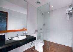 7 Days Premium Kuta Bali - クタ - 浴室