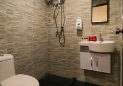 OYO プレミアム ジャラン ブキッ ビンタン - クアラルンプール - 浴室
